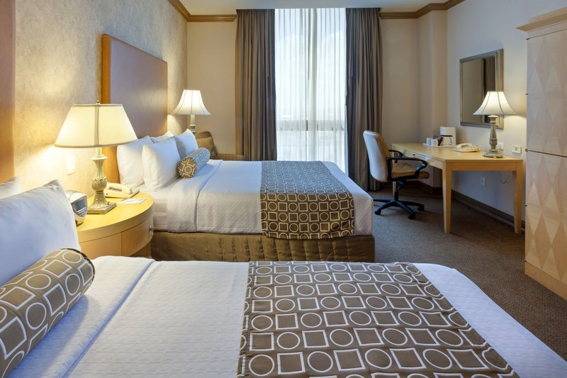 Crowne Plaza Torreon-Comfortable Double Bed Nonsmoking Room<br/>Image from Leonardo