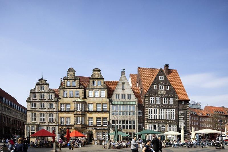 Holiday Inn Express Bremen Airport-Bremen Marktplatz in the old town, a short tram ride away.<br/>Image from Leonardo