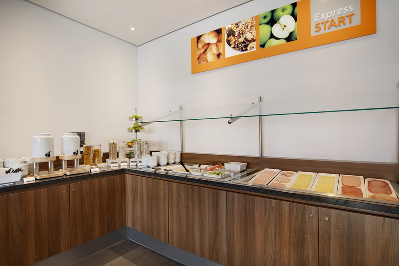 Holiday Inn Express Bremen Airport-An included Express Start Breakfast with cheeses and cold meats.<br/>Image from Leonardo