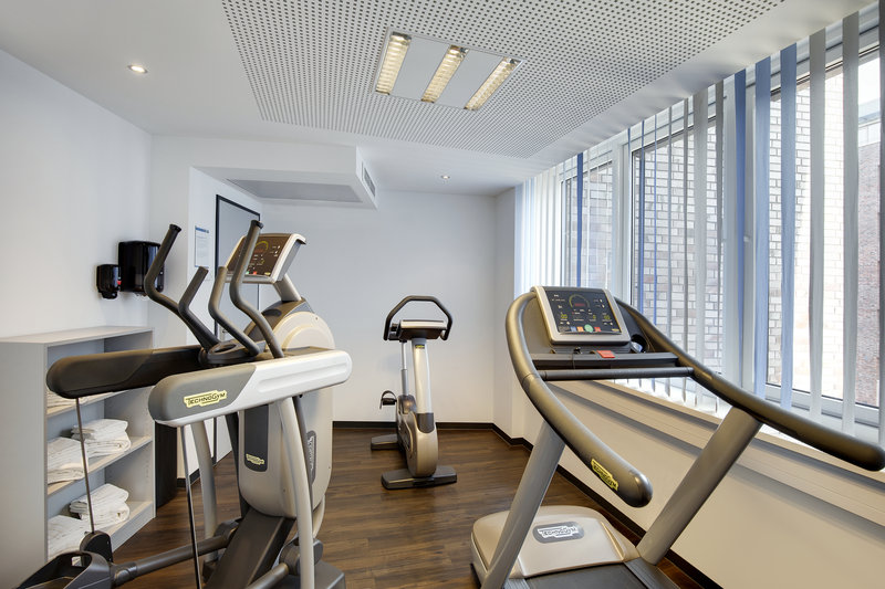 Holiday Inn Express Bremen Airport-An on-site gym, perfect for an invigorating cardio session.<br/>Image from Leonardo