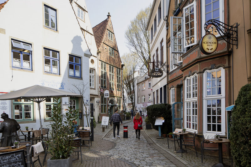 Holiday Inn Express Bremen Airport-Charming pubs and cafés on the cobbled lanes of the old town.<br/>Image from Leonardo