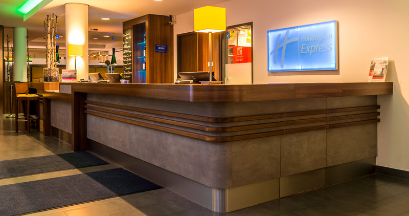 Holiday Inn Express Bremen Airport-Front Desk<br/>Image from Leonardo