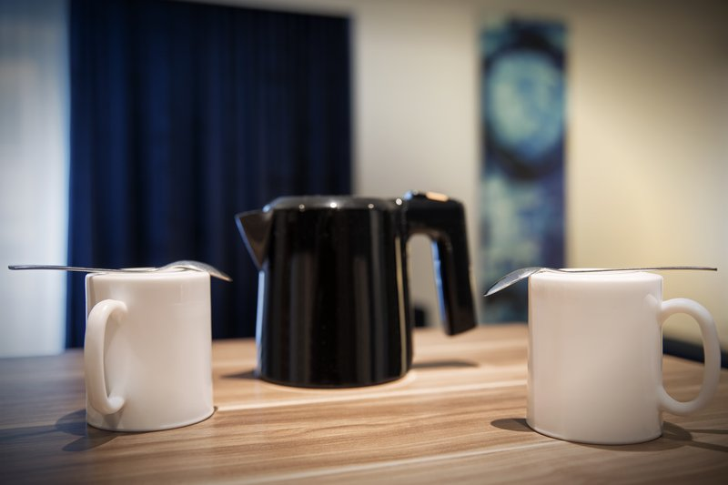 Holiday Inn Express Bremen Airport-Complimentary coffee and tea, available in all guest rooms.<br/>Image from Leonardo