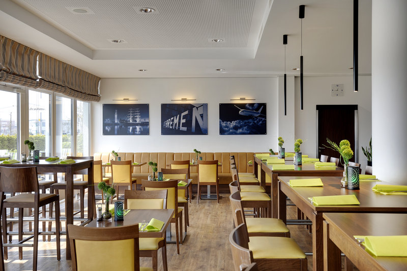 Holiday Inn Express Bremen Airport-An included breakfast is offered each morning in the dining room.<br/>Image from Leonardo