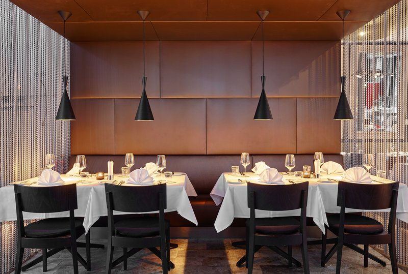 Holiday Inn Berlin Centre Alexanderplatz-La Maison de L'entrecote Restaurant<br/>Image from Leonardo