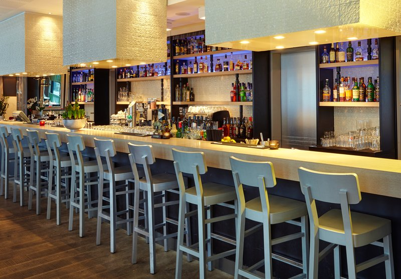 Holiday Inn Berlin Centre Alexanderplatz-Holiday Inn Bar Lounge<br/>Image from Leonardo