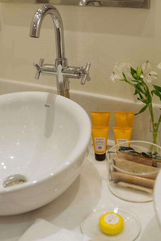 Gran Hotel Bahia del Duque-Casas Ducales Double Room Garden View Bathroom<br/>Image from Leonardo