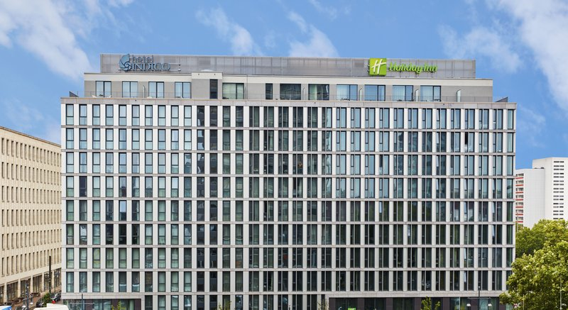 Holiday Inn Berlin Centre Alexanderplatz-A contemporary hotel close to Alexanderplatz transport.<br/>Image from Leonardo