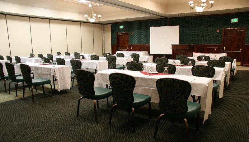 Holiday Inn Selma-Swancourt-Meeting Room<br/>Image from Leonardo