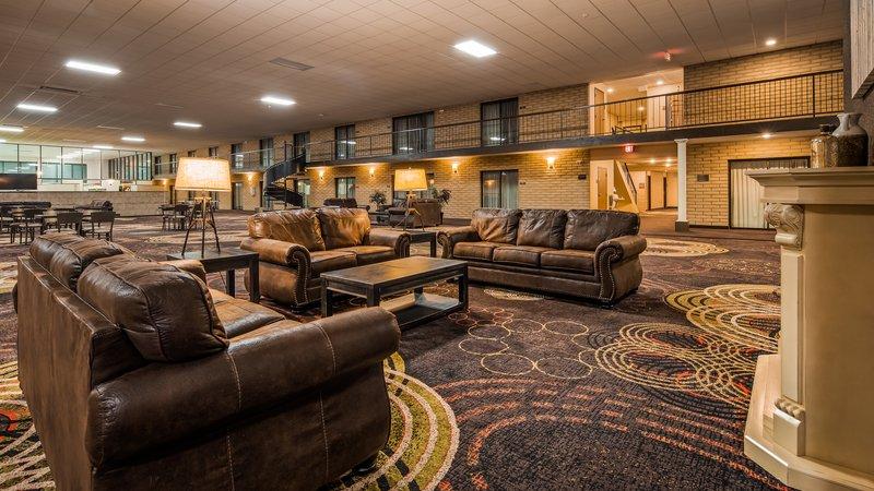 Best Western Wichita North-North Atrium<br/>Image from Leonardo