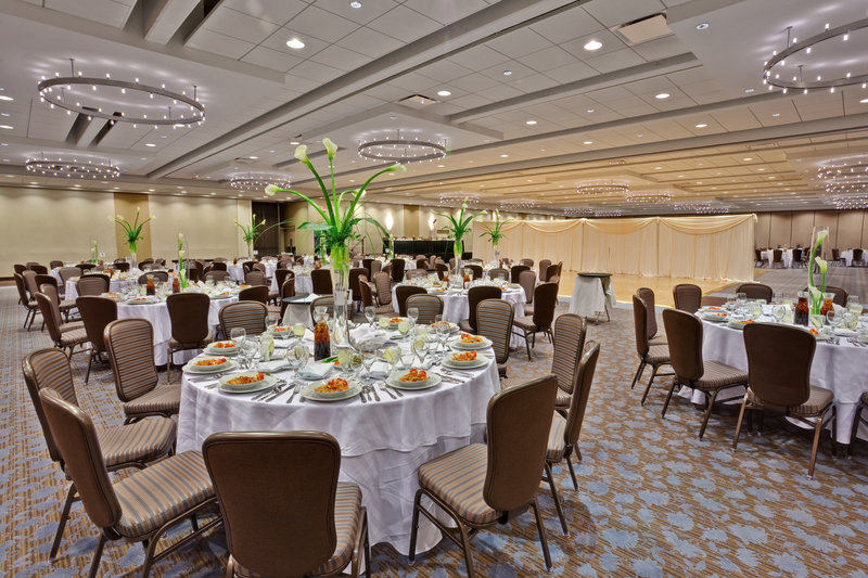Crowne Plaza Chicago Ohare Hotel & Conference Center-O' Hare International Ballroom Banquet<br/>Image from Leonardo