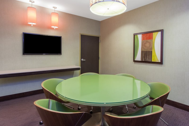 Crowne Plaza Chicago Ohare Hotel & Conference Center-Boardroom Express - Hourly Rates <br/>Image from Leonardo