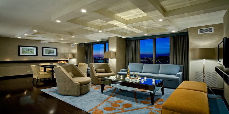 Crowne Plaza Chicago Ohare Hotel & Conference Center-Presidential Suite <br/>Image from Leonardo