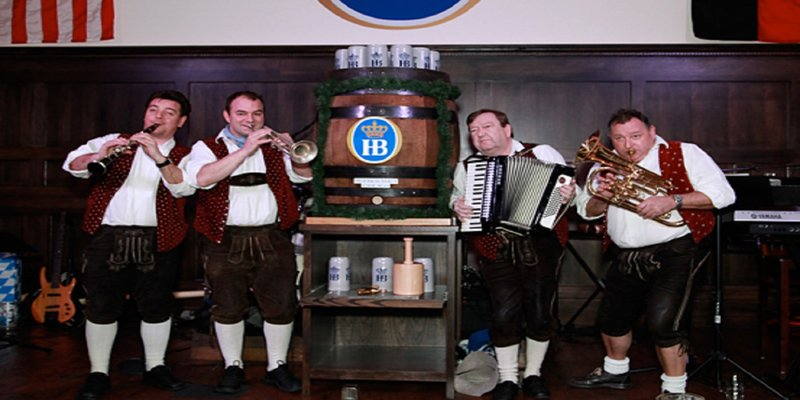 Crowne Plaza Chicago Ohare Hotel & Conference Center-Hofbrauhaus<br/>Image from Leonardo