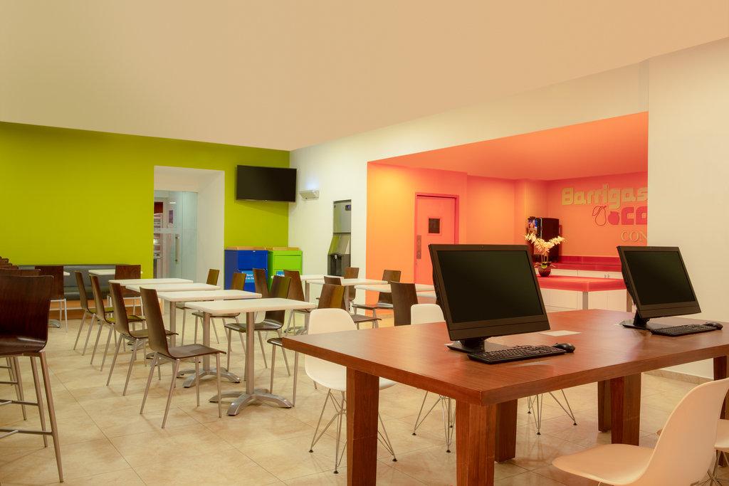 One Cancun - Lobby Internet Center <br/>Image from Leonardo