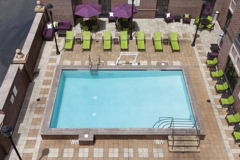 Holiday Inn Savannah Historic District-Splash around in the pool or relax in a luxurious lounge chair<br/>Image from Leonardo
