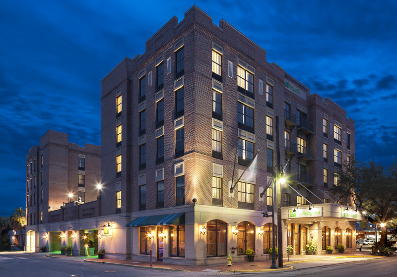Holiday Inn Savannah Historic District-Located just minutes from River Street and City Market<br/>Image from Leonardo