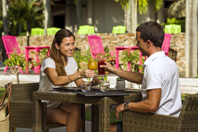 Intercontinental Moorea Resort-Casual lunch Al Fresco at the Fare Hana restaurant<br/>Image from Leonardo