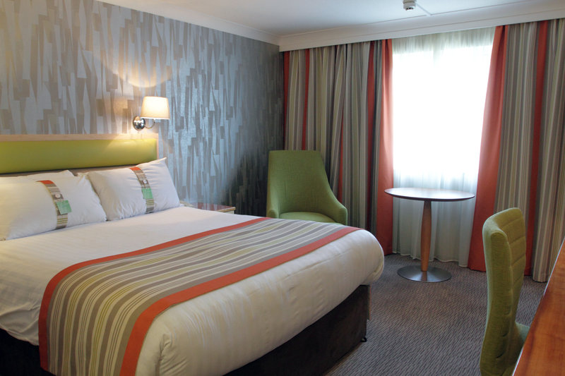 Holiday Inn A55 Chester West-Double Room with free WiFi<br/>Image from Leonardo