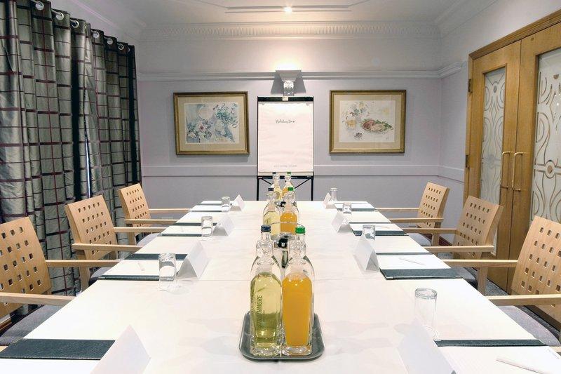 Holiday Inn A55 Chester West-Boardroom in Vivaldi C<br/>Image from Leonardo