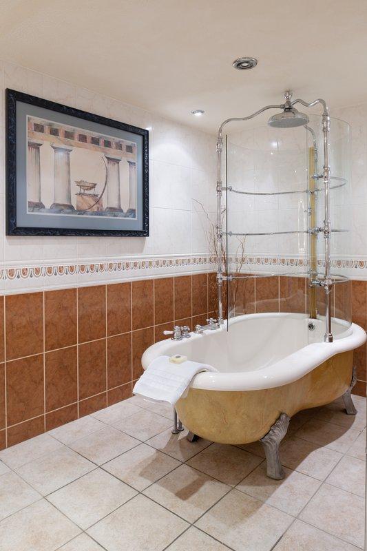 Holiday Inn A55 Chester West-Castle Suite Bathroom with Rain Bath Feature<br/>Image from Leonardo