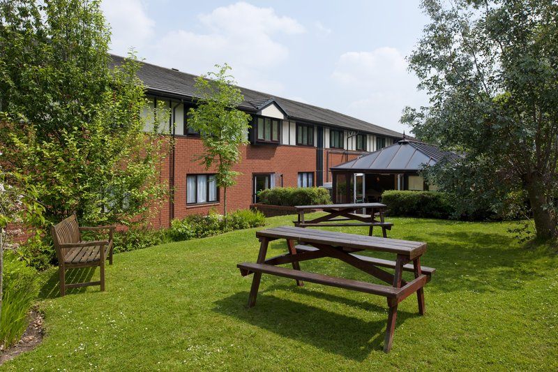 Holiday Inn A55 Chester West-Conservatory Garden Area<br/>Image from Leonardo