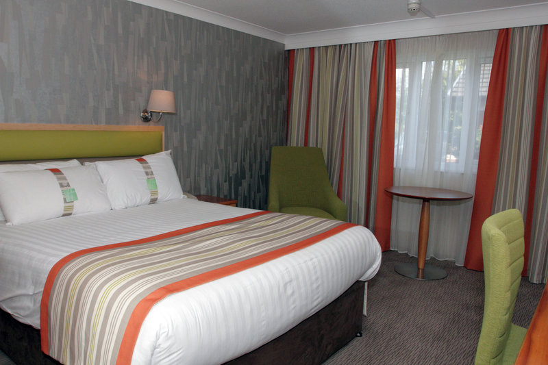 Holiday Inn A55 Chester West-Double Room with Free WiFi, Freeview and Sky Sports TV<br/>Image from Leonardo