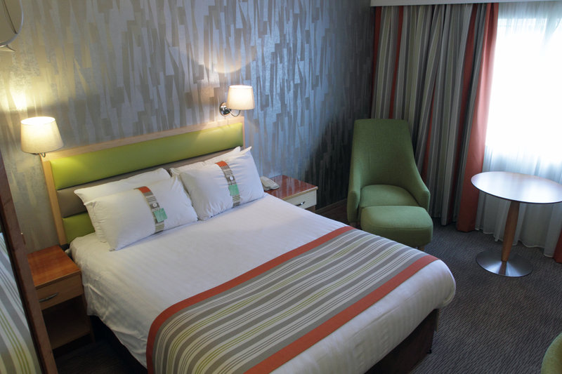 Holiday Inn A55 Chester West-Double Room<br/>Image from Leonardo
