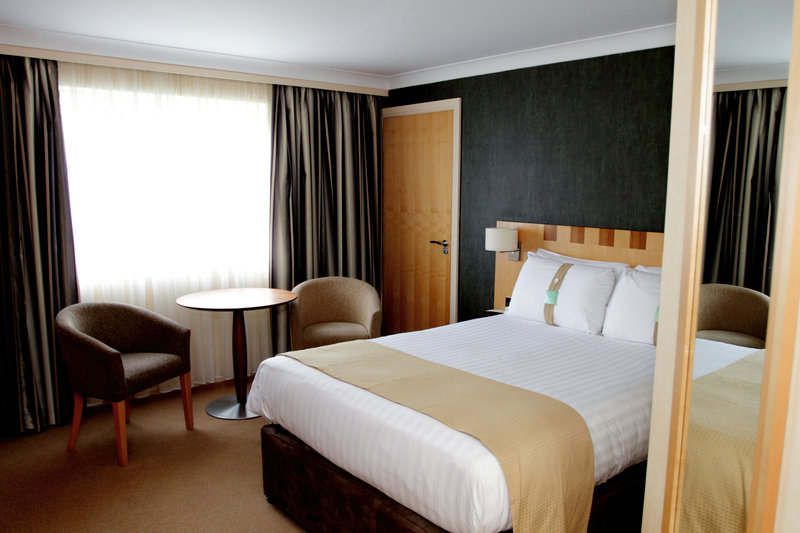 Holiday Inn A55 Chester West-Accessible Room with one double bed<br/>Image from Leonardo