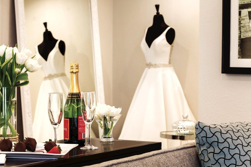 Hotel Ballast Wilmington, Tapestry Collection by Hilton-Bridal Suite Detail<br/>Image from Leonardo