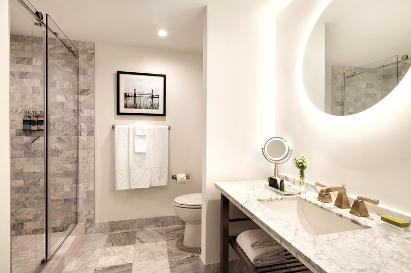 Hotel Ballast Wilmington, Tapestry Collection by Hilton-Standard 2 Double Bathroom<br/>Image from Leonardo