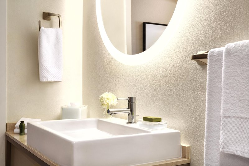 Hotel Ballast Wilmington, Tapestry Collection by Hilton-Double Junior Suite Bathroom<br/>Image from Leonardo