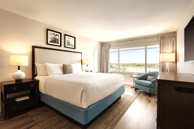 Hotel Ballast Wilmington, Tapestry Collection by Hilton-King Executive Suite Bedroom<br/>Image from Leonardo