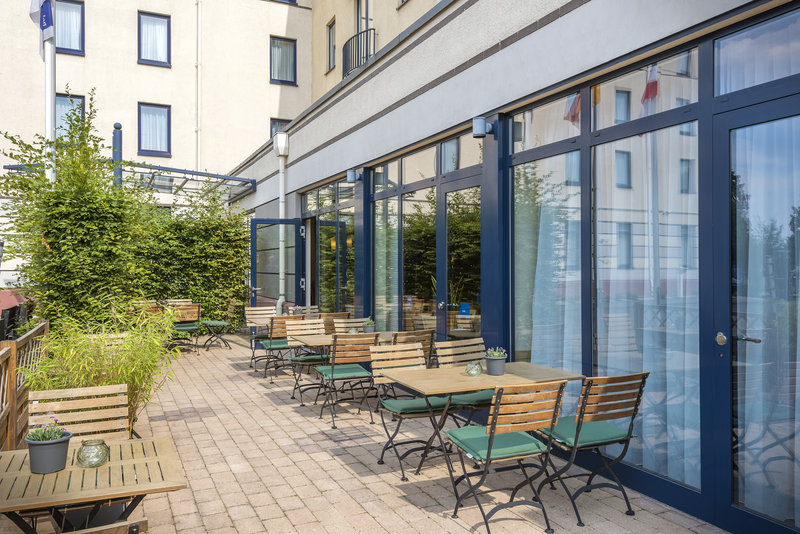 Holiday Inn Express Dortmund-Terrace where guests can meet friends or have informal meetings.<br/>Image from Leonardo