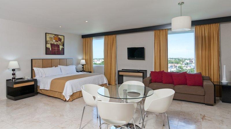 Holiday Inn Express Ciudad Del Carmen-Presidential Suite<br/>Image from Leonardo