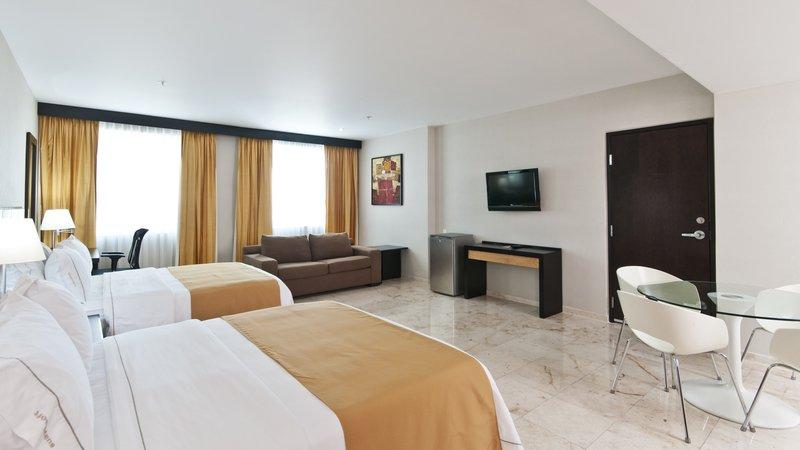 Holiday Inn Express Ciudad Del Carmen-Junior Suite<br/>Image from Leonardo