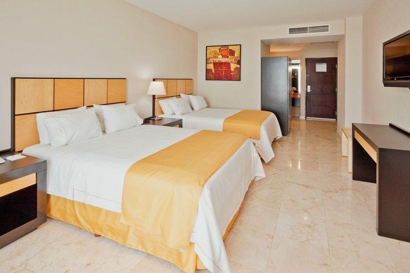 Holiday Inn Express Ciudad Del Carmen-Double Bed Guest Room<br/>Image from Leonardo