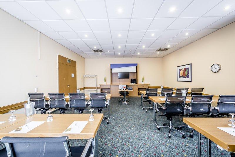 Holiday Inn Express Dortmund-Meeting Room Reinoldi, 48m² - ideal for presentations<br/>Image from Leonardo