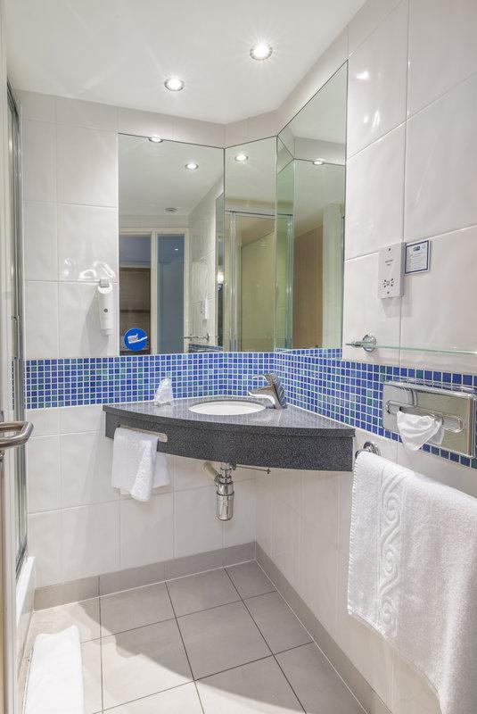 Holiday Inn Express Kettering-Guest Bathroom<br/>Image from Leonardo