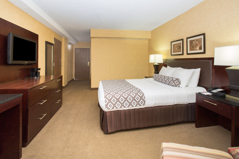 Crowne Plaza Denver Airport Convention Center-ADA/Handicapped accessible Queen Guest Room.<br/>Image from Leonardo