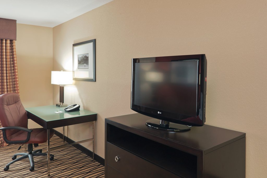 Holiday Inn Hotel & Suites Lima-Guest Room<br/>Image from Leonardo