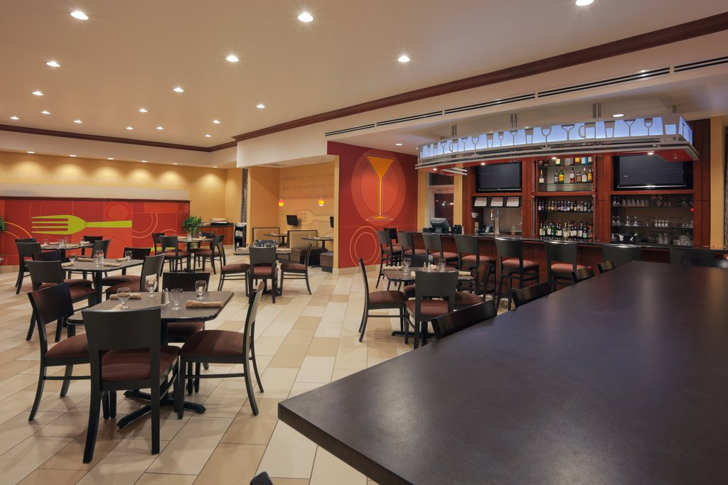 Holiday Inn Hotel &amp; Suites Lima-Restaurant<br/>Image from Leonardo