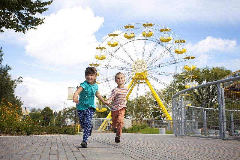 Holiday Inn Saskatoon Downtown-PotashCorp Playland at Kinsmen Park<br/>Image from Leonardo