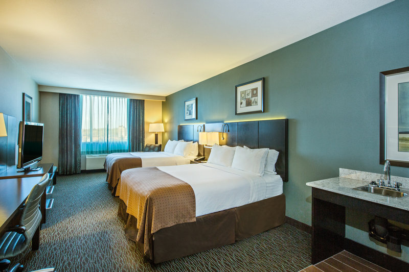 Holiday Inn Saskatoon Downtown-Two Queen Wheel Chair Accessible Guest Room<br/>Image from Leonardo