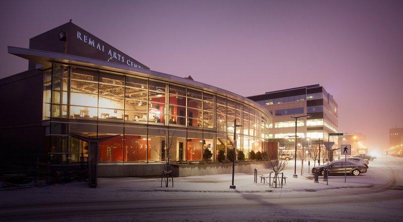 Holiday Inn Saskatoon Downtown-Remai Arts Centre - Persephone Theatre<br/>Image from Leonardo