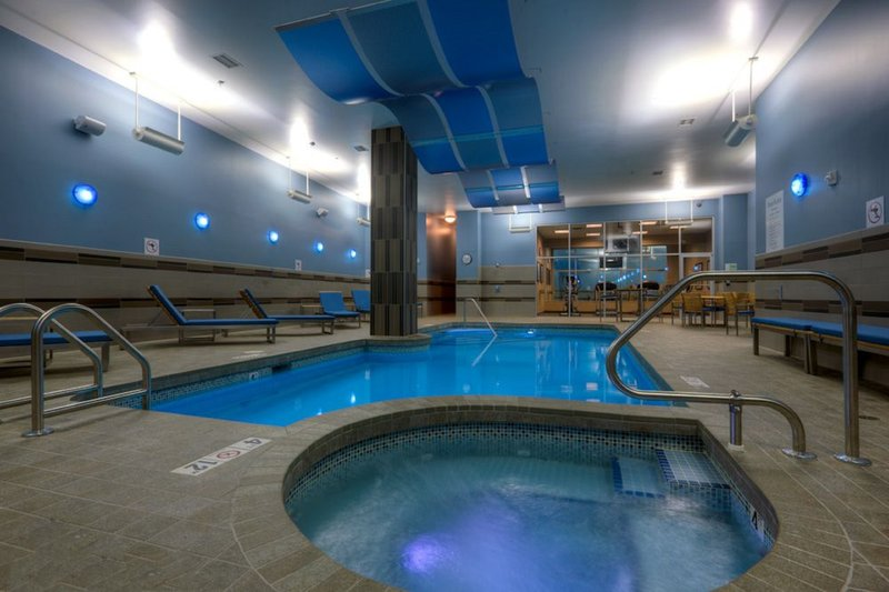 Holiday Inn Saskatoon Downtown-Relax after a long day in our whirlpool.<br/>Image from Leonardo
