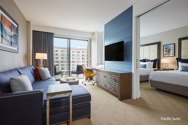 The Waterfront Beach Resort, A Hilton Hotel-TWIN DOLPHIN TOWER ONE-BEDROOM DOUBLE QUEEN SUITE<br/>Image from Leonardo