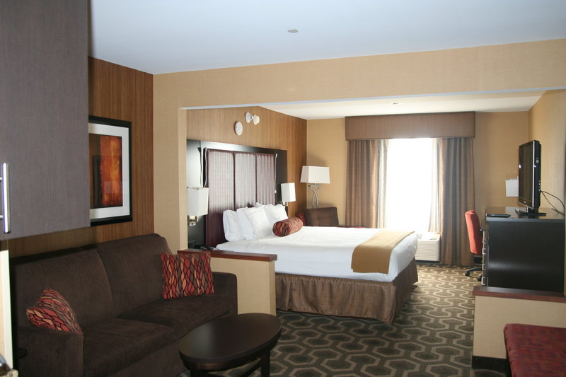 Holiday Inn Express & Suites Vineland Millville-King Leisure Suite Hearing<br/>Image from Leonardo