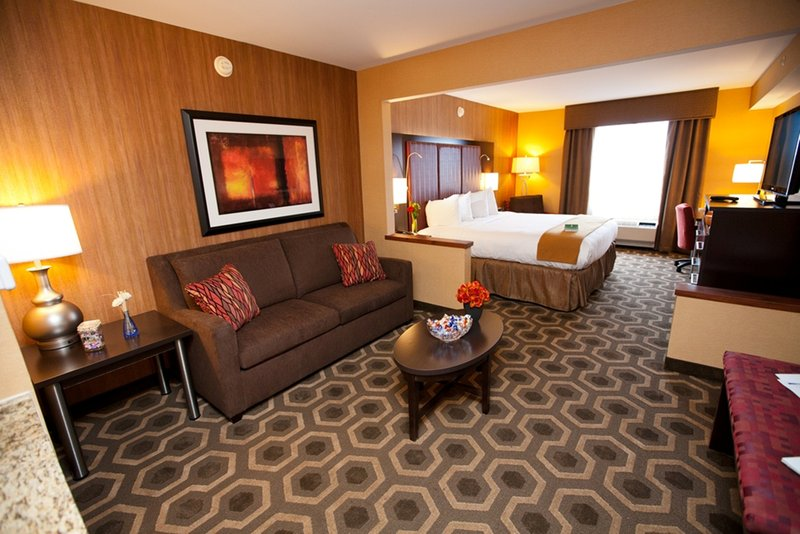 Holiday Inn Express & Suites Vineland Millville-Guest Room<br/>Image from Leonardo