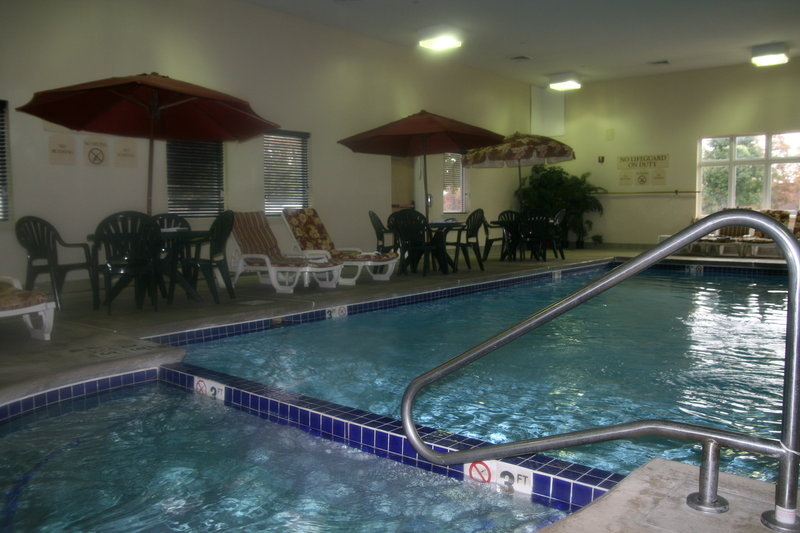 Holiday Inn Express & Suites Vineland Millville-Take A Dip In our Indoor Heated Pool & Jacuzzi Spa!<br/>Image from Leonardo